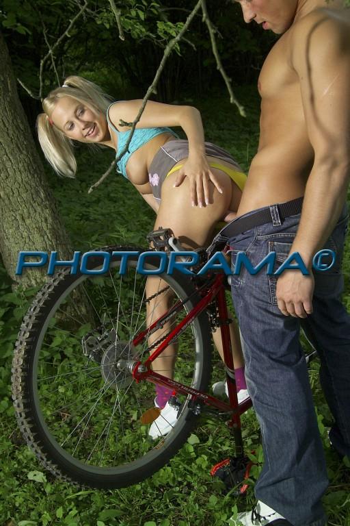 девушку на велосипеде трахать фото девичника который