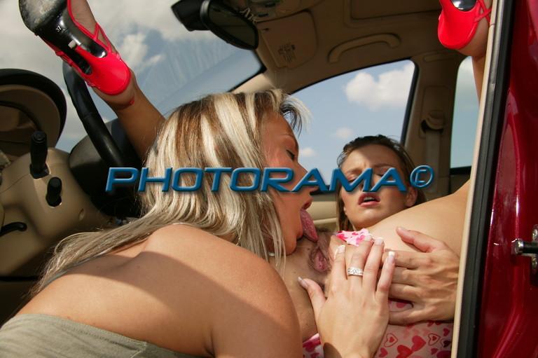 порно лесби в авто