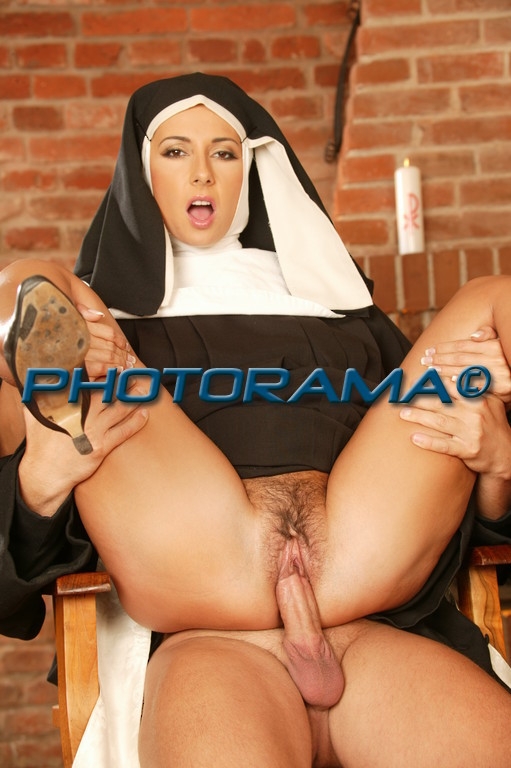 Порно с монашками
