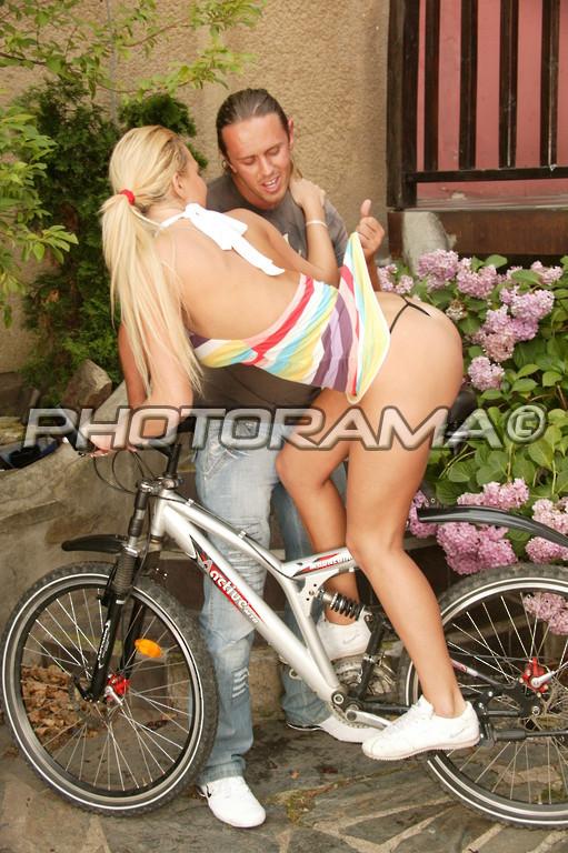 otimeli-na-velosipede